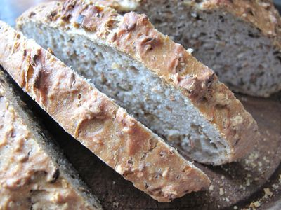 Quick spelt and mixed seed bread