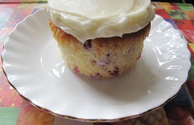 Raspberry cupcake with mascarpone frosting