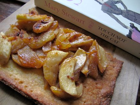 Apple tart, Touch not the Cat