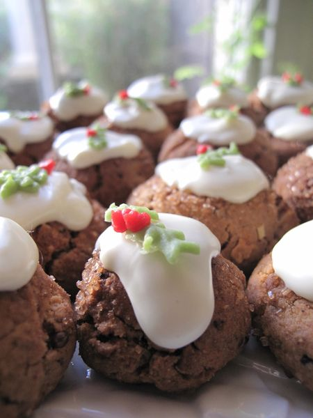 Mini Christmas pudding biscuits