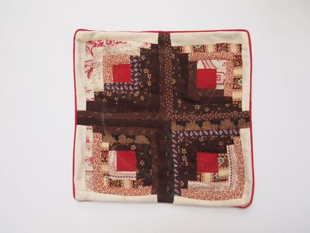 Log-cabin-cushion-cover