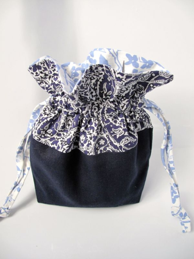 Lined drawstring project bag