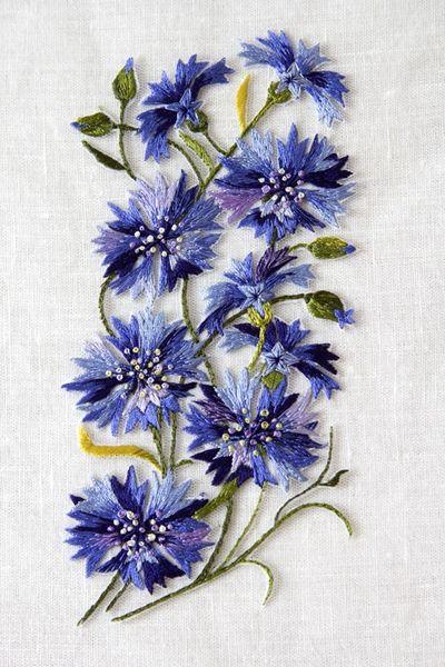 Embroidered cornflowers 3