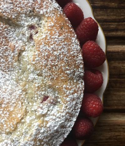 Yogurt, poppy seed, and raspberry cake