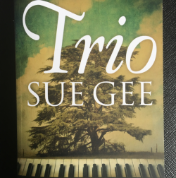 Trio, Sue Gee